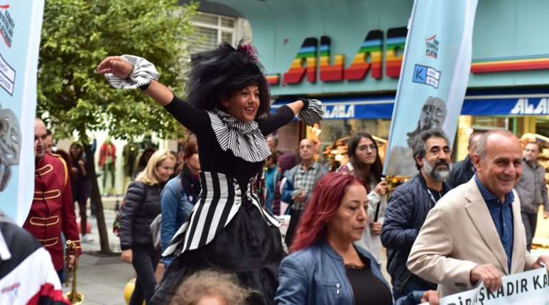 Kadıköy Tiyatro Şenliği Başladı